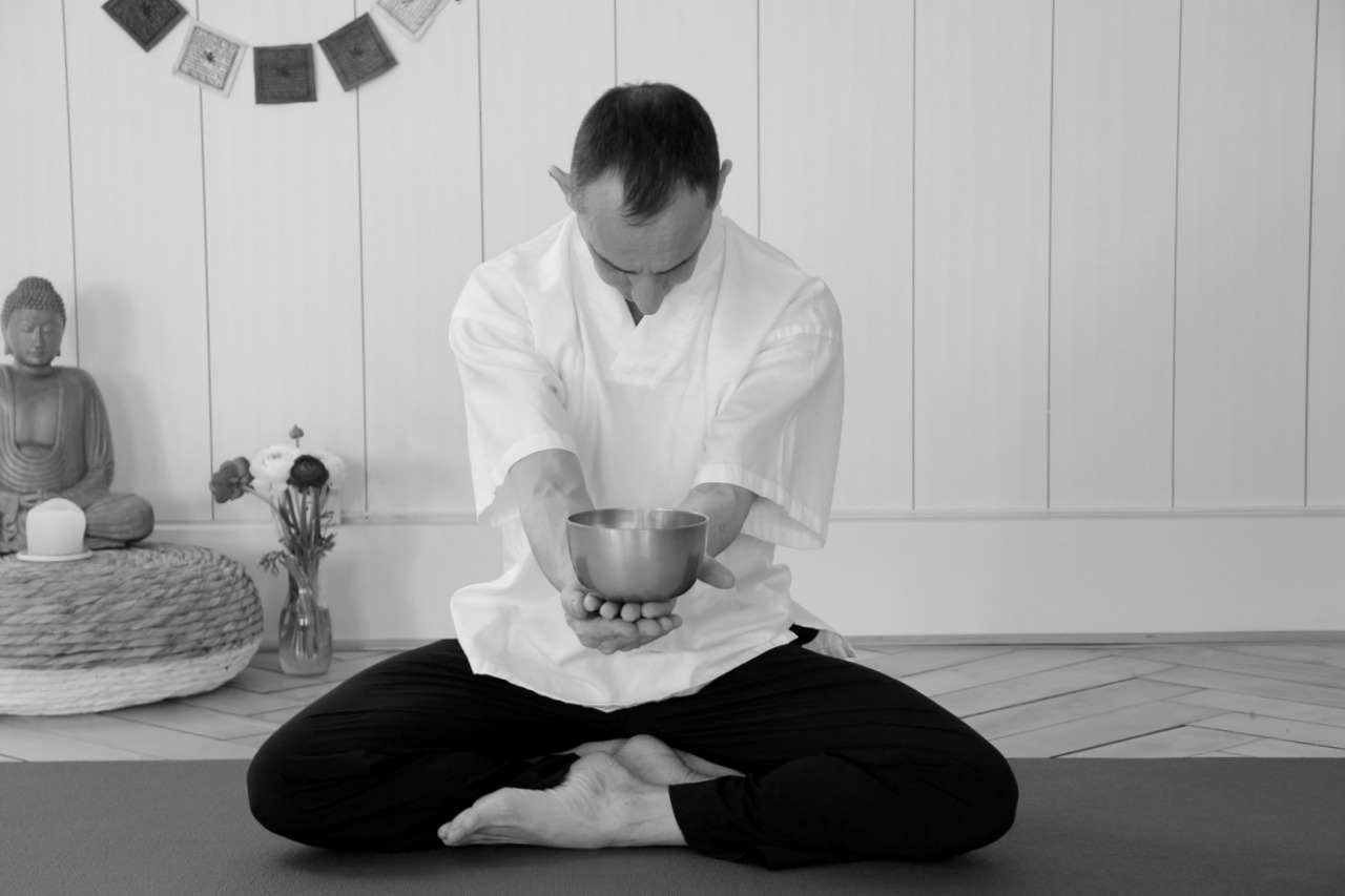 IMG_1902_Hauptbild Yoga & Meditation_sw